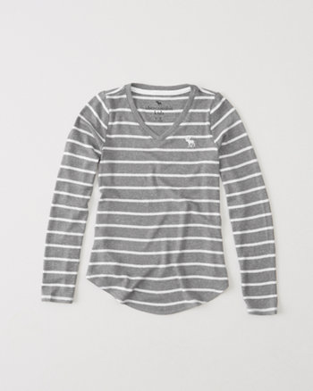 kids cozy v-neck tee